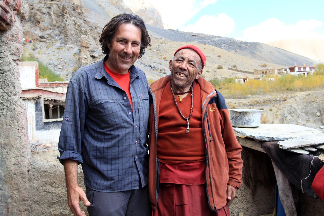 Lama Sandrup kenne ich schon sehr lange. Er hat mich damals beim Bau der Solarschule sehr, sehr unterstützt!