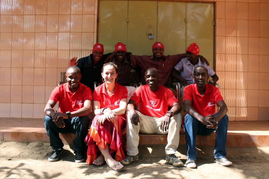Caroline Ouederrou beim Unterricht unseres Teams in Tansania