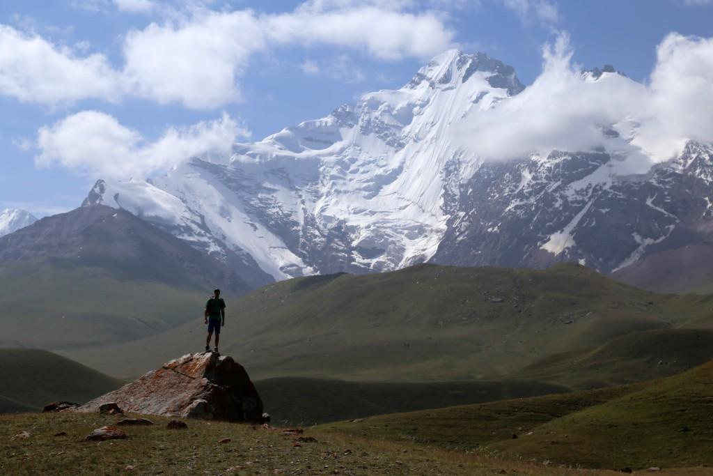 """Tadschikistan ist für mich DAS gelobte Traumland zum Wandern und Bergsteigen in beeindruckender Hochgebirgskulisse! Im Pamir und seinen umgebenden Bergen harren unzählige Wanderperlen auf das """"Entdeckt – Werden"""""""