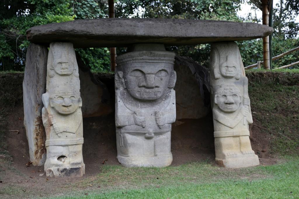 Die Grabskulpturen von San Agostin: Uralt und rätzelhaft